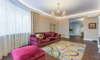 Дизайн и ремонт гостиной в неоклассическом стиле.
