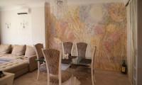 Живописное панно с рельефом в гостинной