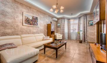 Гостиная в квартире на ул. Пудовкина